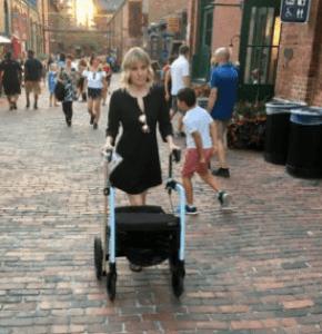 De turismo y compra con tu andador Rollz Motion