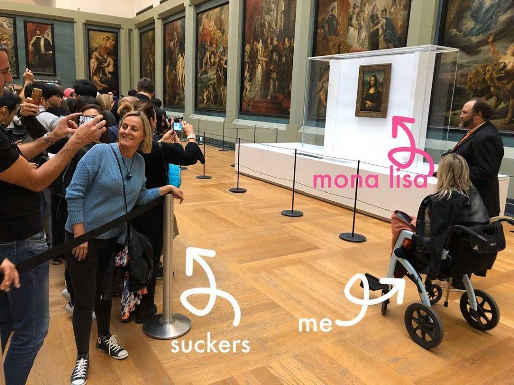Andador Convertible en Silla de Ruedas Rollz Motion en el museo Louvre Museum